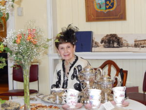 rosemarie-vacca-tea-table-decor